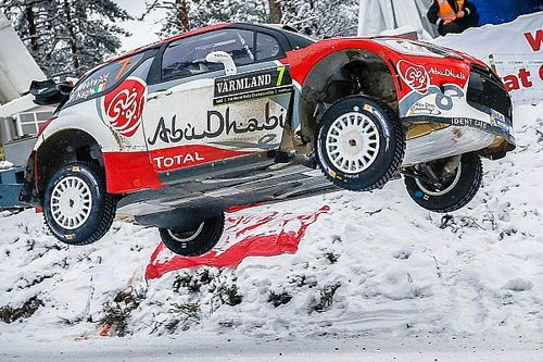 Kris Meeke puts on a show!