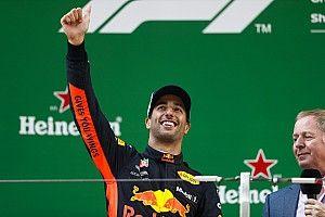 Ricciardo deberá decidir hasta agosto si se queda, dice Red Bull