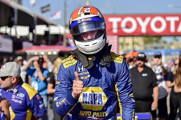 IndyCar Qualifiche Rossi regola i piloti del team Penske e centra la pole a Long Beach