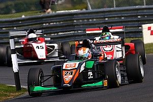 Snetterton BF3: Mahadik misses out on Race 2 win