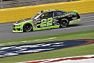 NASCAR XFINITY Keselowski supera chuva e adversários em Charlotte