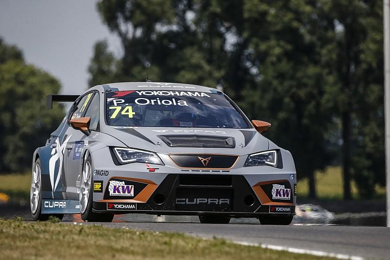 WTCR Slovakiaring: Oriola entgeht Strafe und gewinnt Rennen 1