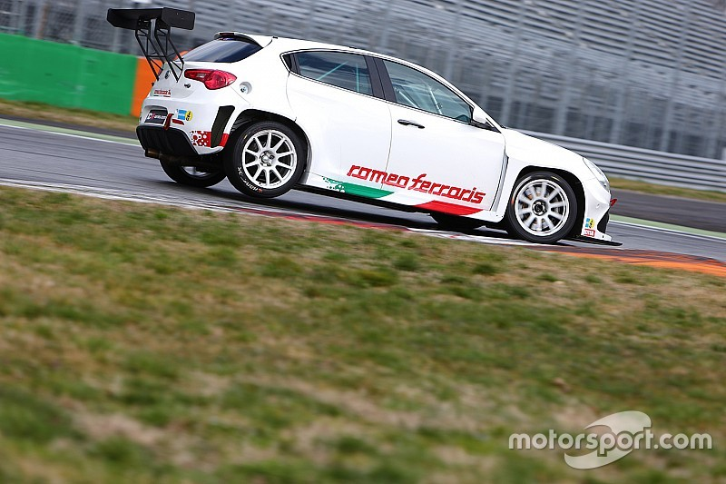 Ad Austin 14 vetture al debutto in Classe TCR