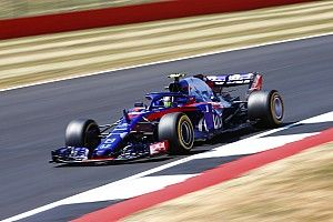 "Toro Rosso losing ""crazy"" time on the straights - Gasly"