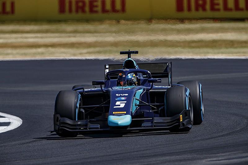 Albon mantiene sus esperanzas tras ganar en Silverstone