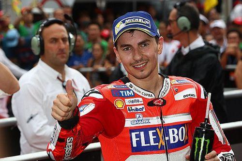 Lorenzo claims he didn't see Ducati dashboard instruction