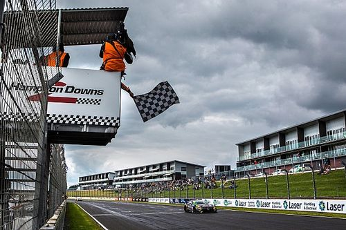 Hampton Downs 500: Hackett/Storey dominate in New Zealand