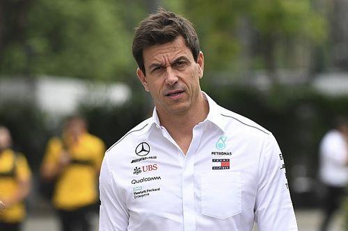 """Wolff zelfkritisch: """"Door mij was pitstop Hamilton ronde te laat"""""""