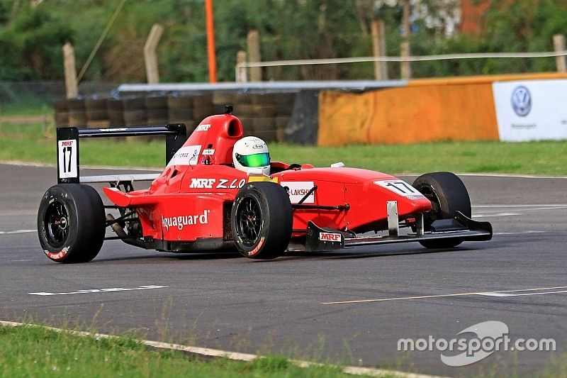 Chennai MRF 1600: Aradhya fends off title contenders to win Race 2