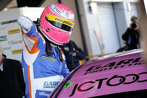 Silverstone BTCC: Tordoff wins Race 1 from pole