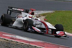Okayama Super Formula: Sekiguchi beats Kobayashi in wet qualifying