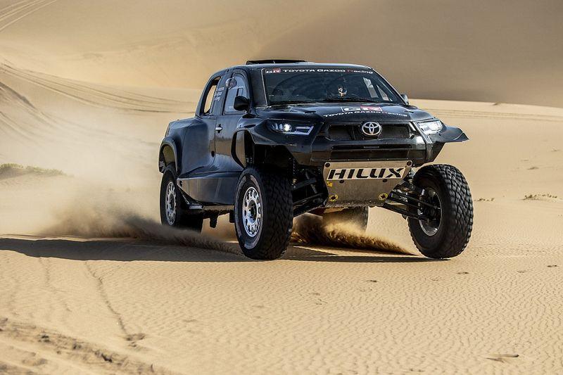 Premières images du nouveau Toyota Hilux pour le Dakar 2022
