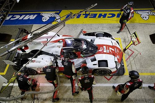 Le Mans 24h: #7 Toyota leads sister #8 car at halfway stage