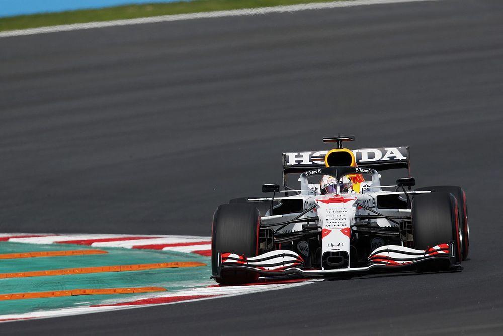 """F1トルコFP1:首位はハミルトン、""""ホンダF1""""特別カラーのフェルスタッペンが2番手で追う、角田はトラブルもあり18番手"""