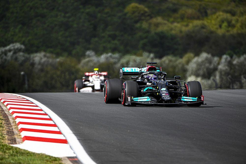 Hamilton az élen a török FP2-n, Leclerc a második!