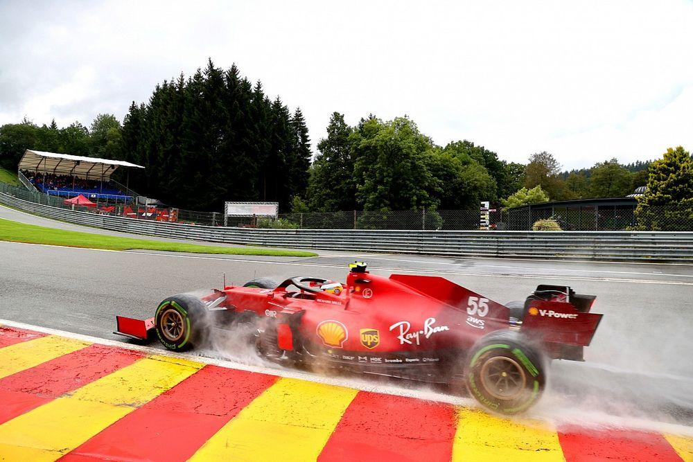 """Sainz: """"Ferrari'nin yağmurda zorlanması normal değildi"""""""