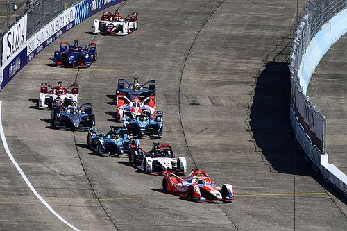 VÍDEO: Forte acidente na largada interrompe corrida final da Fórmula E