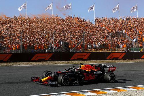 Verstappen schrijft geschiedenis met overwinning in Dutch GP