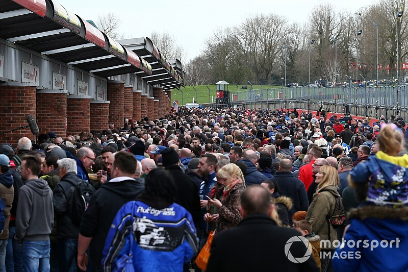 Spectators banned from BTCC launch due to coronavirus