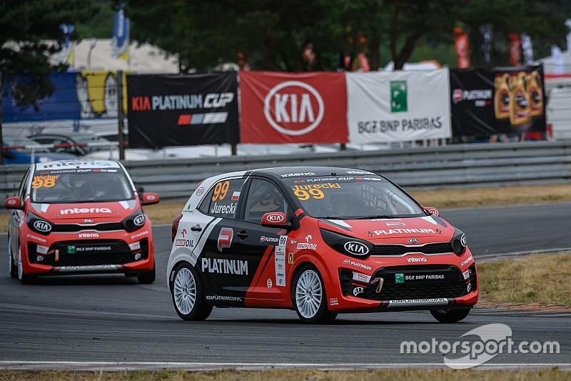 Wyścigowe emocje na Poznań Motor Show