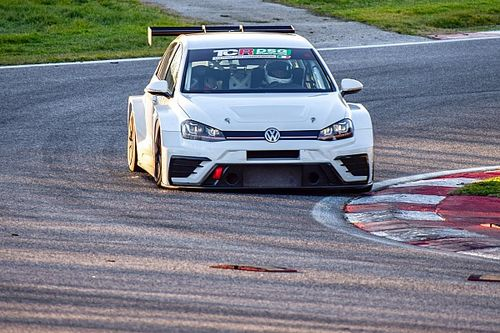 Andrea Mabellini debutta nel TCR DSG Endurance con la Volkswagen