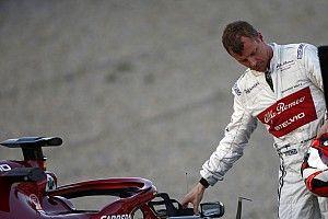 Quand Räikkönen répare son propre baquet