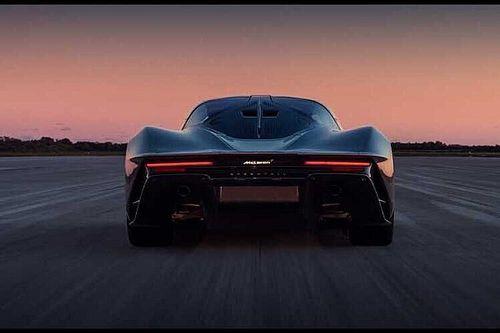 Videó: Így repeszt 403 km/órás tempóval a McLaren Speedtail