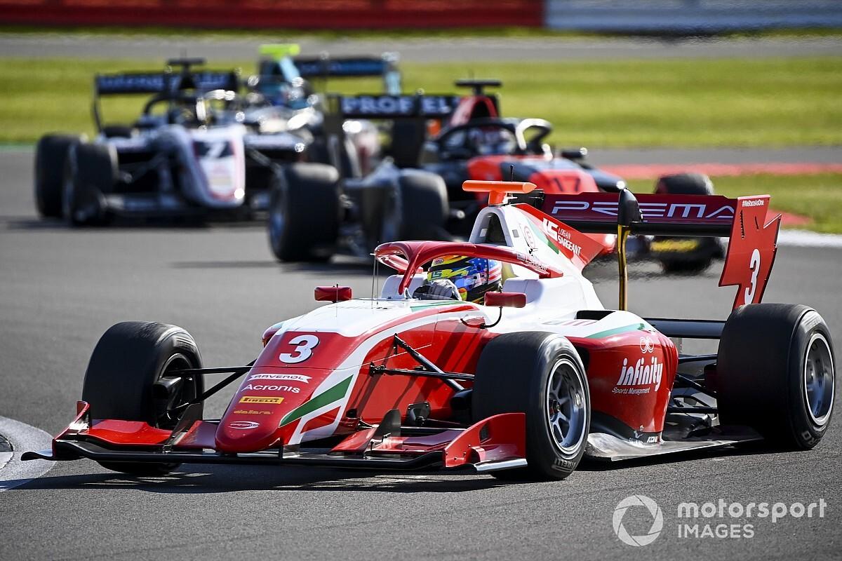 Silverstone F3: Sargeant ilk yarışı kazandı