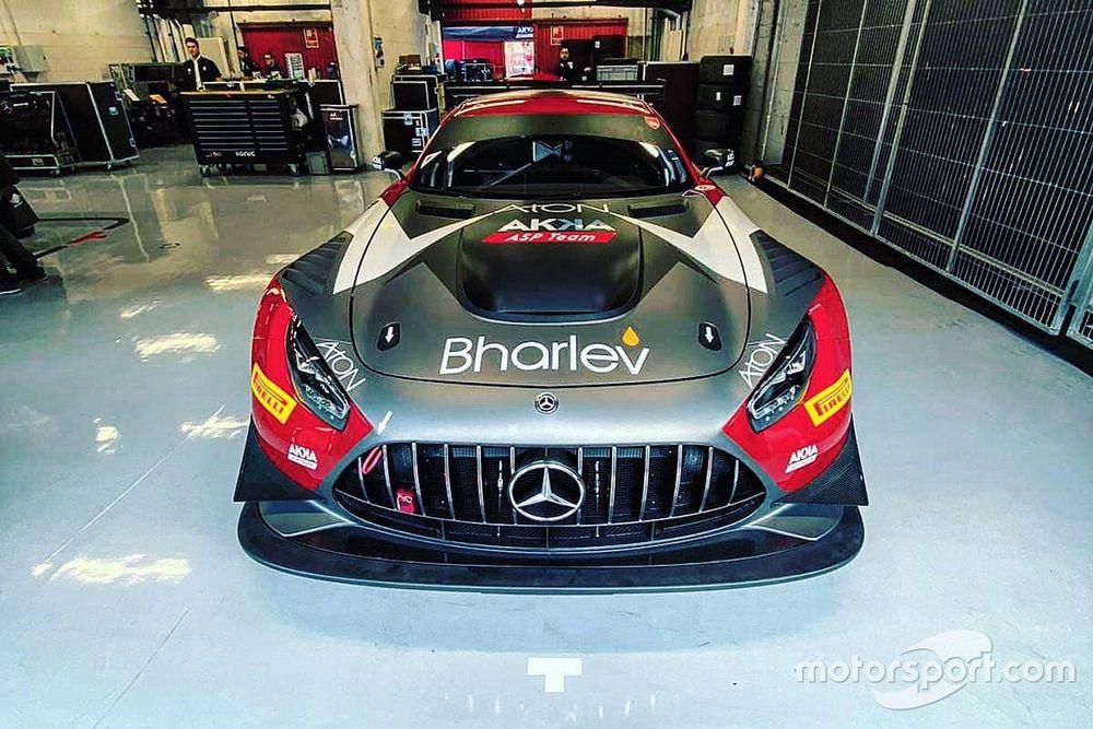 Alex Fontana al via del GT World con la Mercedes di AKKA