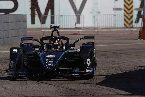 فاندورن يحرز قطب الانطلاق الأول لآخر سباقات موسم الفورمولا إي