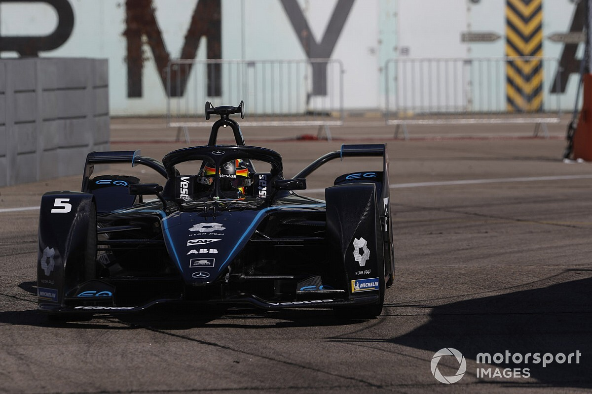 Berlin E-Prix: Vandoorne on pole for finale