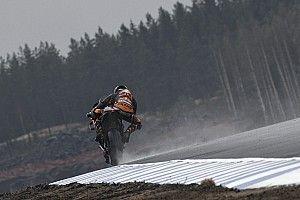 Les MotoGP découvrent le KymiRing sous la pluie