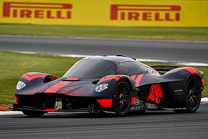 Video: Aston Martin test de Valkyrie op Silverstone