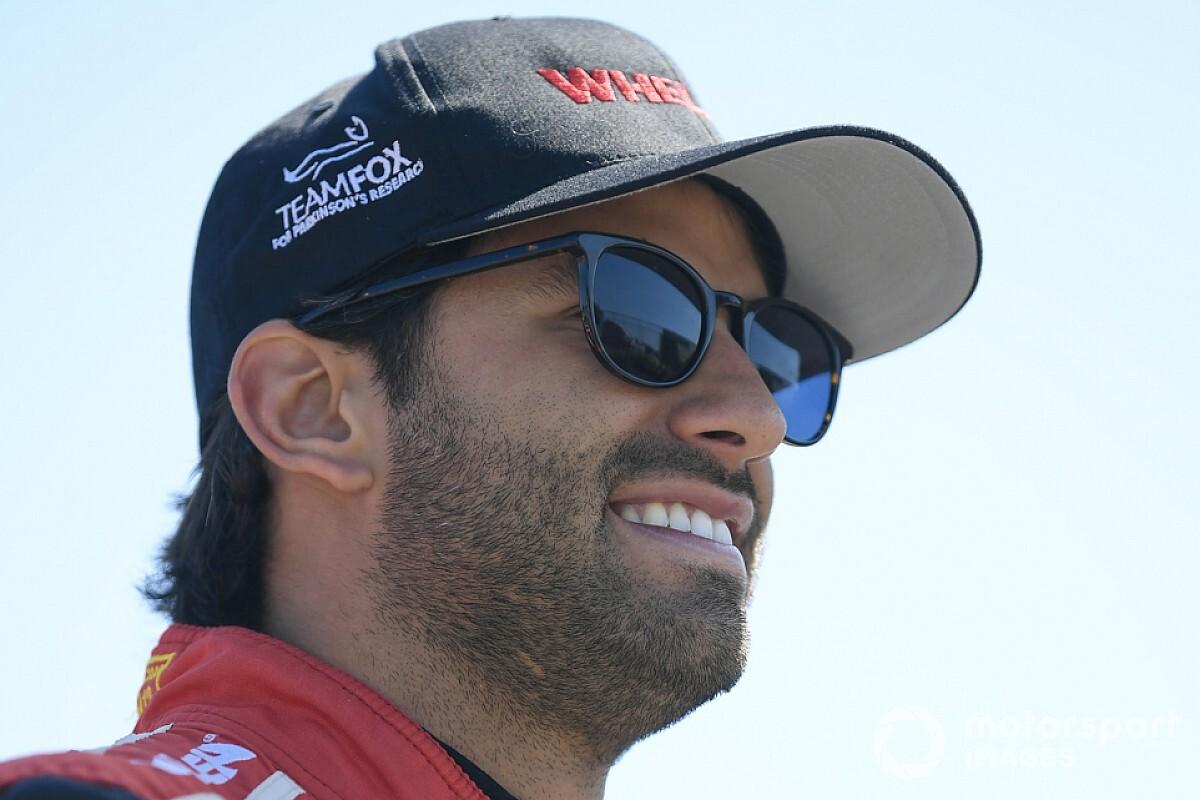Felipe Nasr participa de teste com novo carro da NASCAR em Daytona