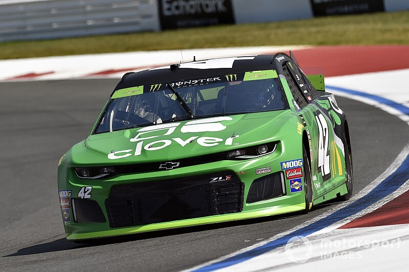 Caution for late wreck hands Kyle Larson Stage 1 win at Roval