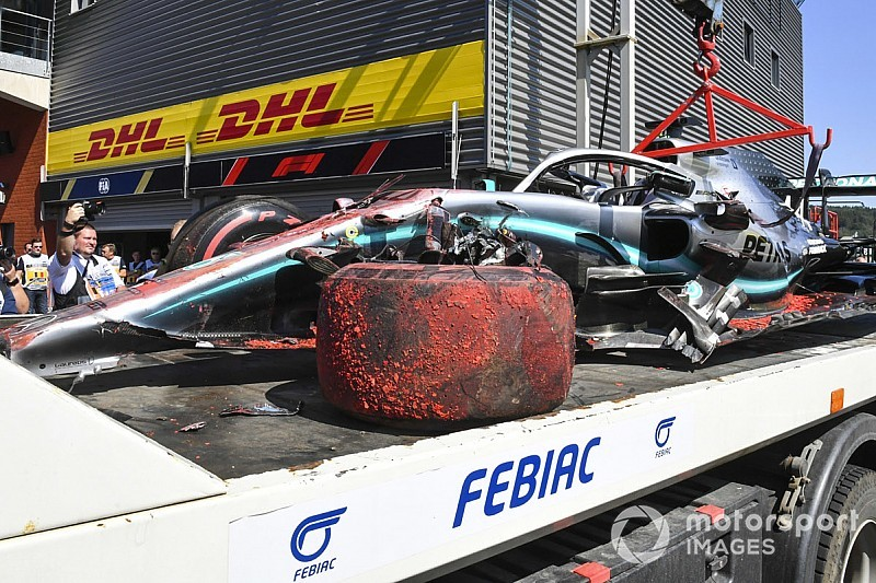 Formel 1 Spa 2019: Lewis Hamilton crasht im Abschlusstraining!