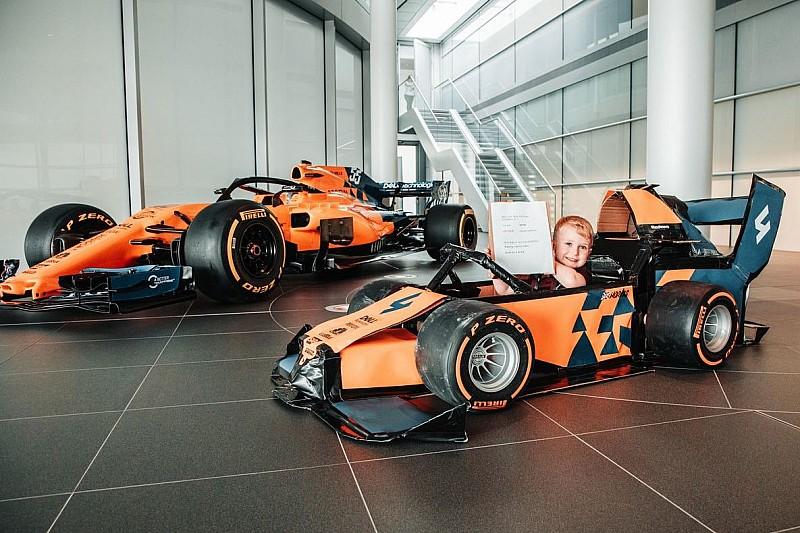 El niño que soñó con pilotar un McLaren... y lo consiguió