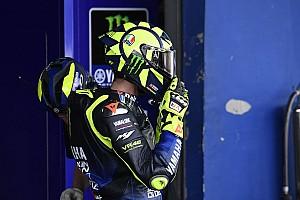 Rossi rueda con una SBK en un circuito del Mundial tres meses más tarde