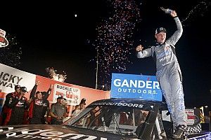 Tyler Ankrum takes Kentucky Truck win as Moffitt runs out of gas
