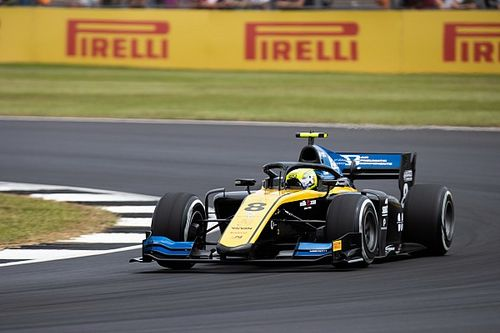 Silverstone F2: Ghiotto leads Latifi in practice