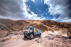Dakar, Camion, Tappa 8: Sotnikov passa in testa, Nikolaev per un'ora
