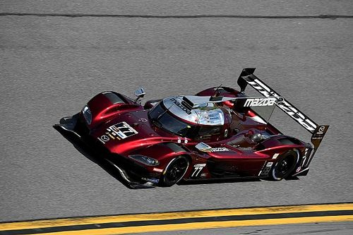 Mazda anota pole para 24H de Daytona; Castroneves larga em 2º