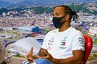 """Hamilton: """"Bu başarı tüm takımın çalışmalarıyla geldi"""""""