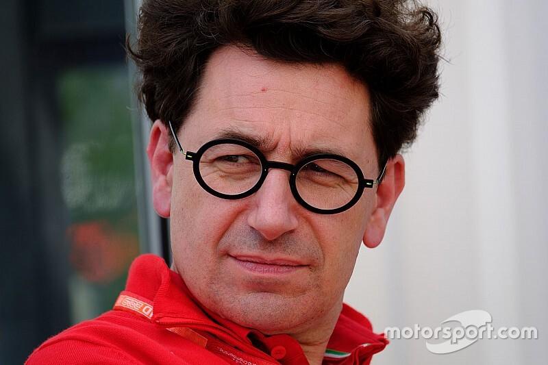 Ferrari provocata: Binotto reagisce alle offese di Verstappen