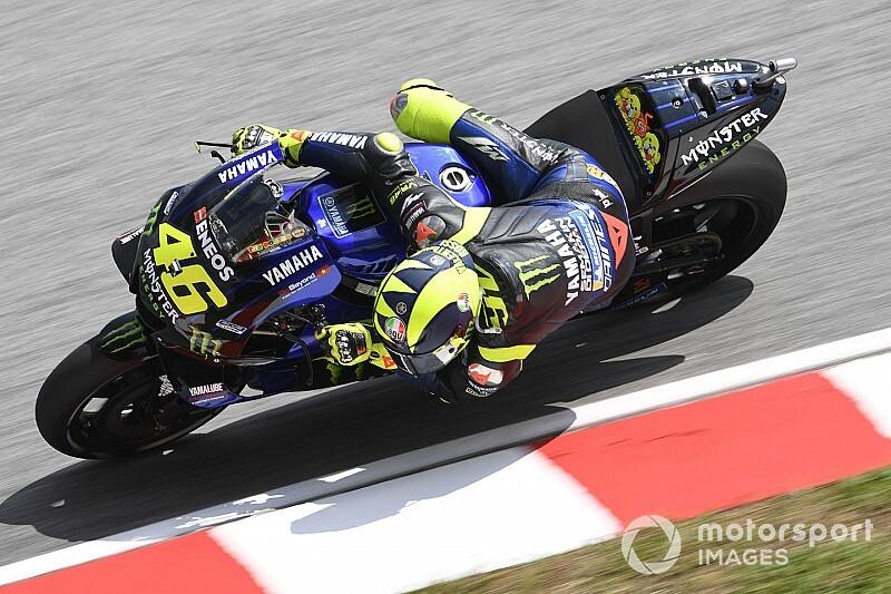 Rossi bezorgd over achterband, Marquez onder indruk van Yamaha