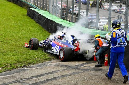 Квят попал в аварию во второй тренировке из-за проблем с машиной