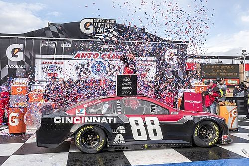Alex Bowman cruises to Fontana Cup win