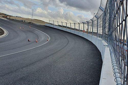Így néz ki jelenleg Zandvoort átalakított F1-es pályája: drónfelvételek