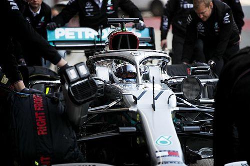 Mercedes a cassé un moteur à Barcelone