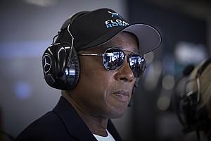 Anthony Hamilton: veszélyben az emberek élete, az F1 meg az újraindítást erőlteti
